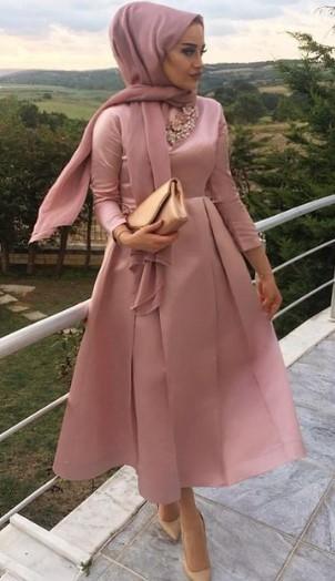 c6af09d2c0841 2019 Tesettür Giyim Modelleri En Çok Tercih Edilenler Bayan Giyim Modası. tesettür  abiye 2
