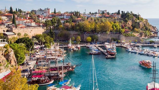 Antalya'da Evlere Ek İş Veriliyor